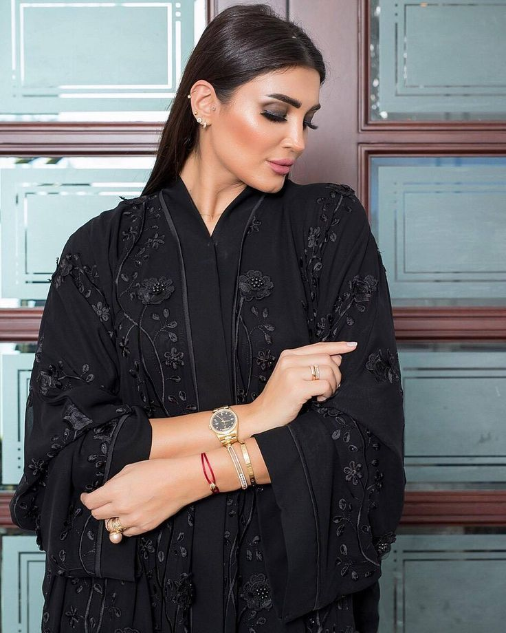 Repost @_nagda with @instatoolsapp  موديل رقم   #subhanabayas #fashionblog #lifestyleblog #beautyblog #dubaiblogger #blogger #fashion #shoot #fashiondesigner #mydubai #dubaifashion #dubaidesigner #dresses #capes #uae #dubai #abudhabi #sharjah #ksa #kuwait #bahrain #oman #instafashion #dxb #abaya #abayas #abayablogger #абая