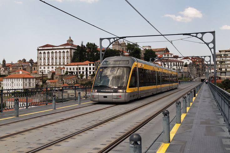 Metro w Porto w dużej części znajduje się na powierzchni