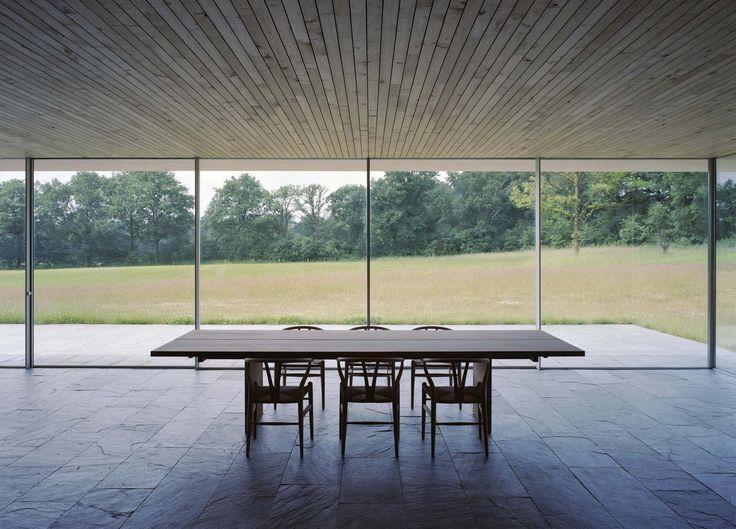 A modern property design taking advantage of tradition by Ard de Vries Architecten