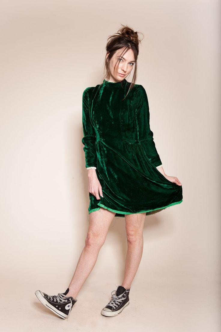Vintage emerald green crushed velvet dress