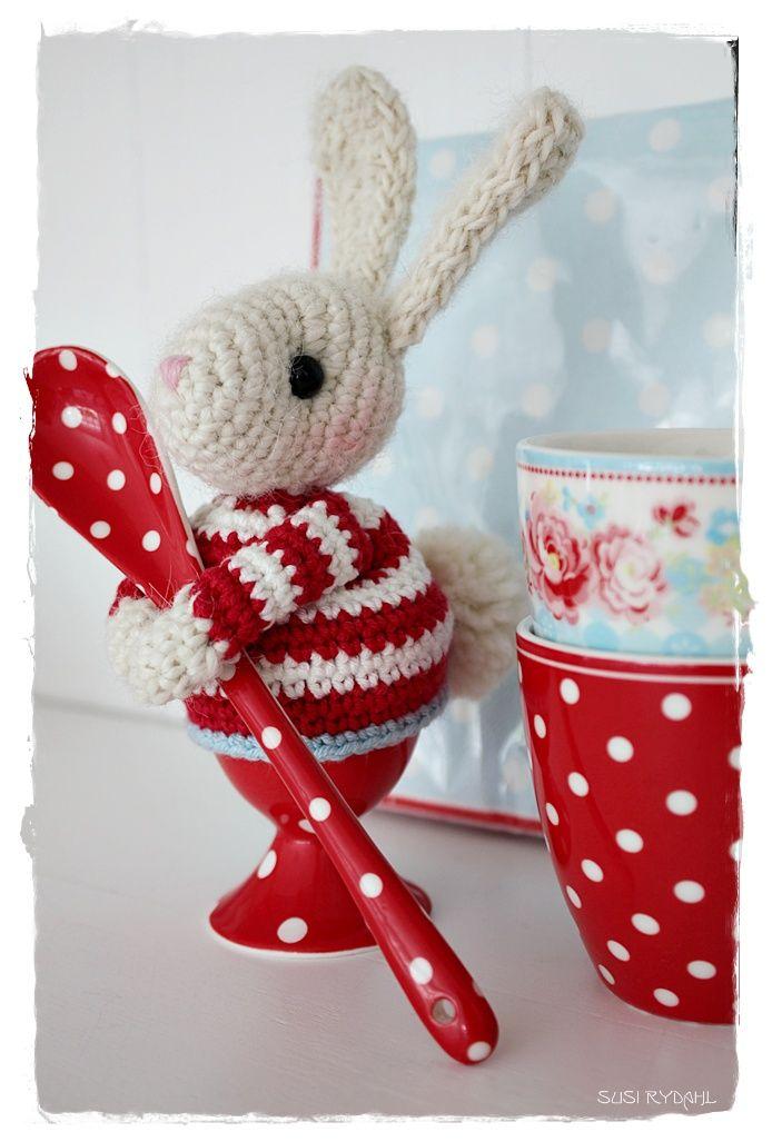 Bunny egg cosy …. too adorable! VELKOMMEN HOS INDRETNING MED FARVER.: En skøn lille fyr ...