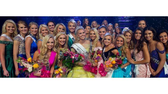 Miss Teen USA 2016 - Setelah Penobatan, Karlie Hay Sering Gunakan Kata-kata Rasis di Twitter