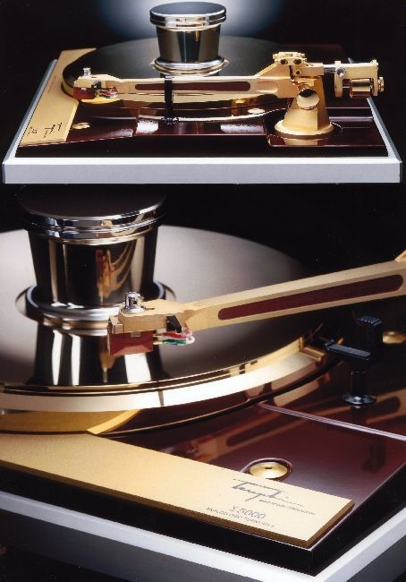 Mr. Takeshi Teragaki's LP record player. Turntable high end audio audiophile