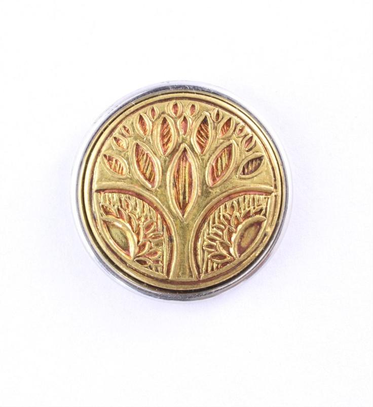 Noosa chunk TREE OF LIFE. Deze chunk staat symbool voor een levensboom uit Zuid-India. Bruid en bruidegom planten symbolisch een mannelijke en vrouwelijke boom naast elkaar. Een beschermend hek zorgt voor groei en vruchtbaarheid - NummerZestien.eu