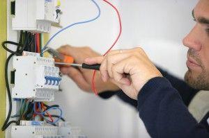 Le prix des différents petits travaux d'électricité et devis