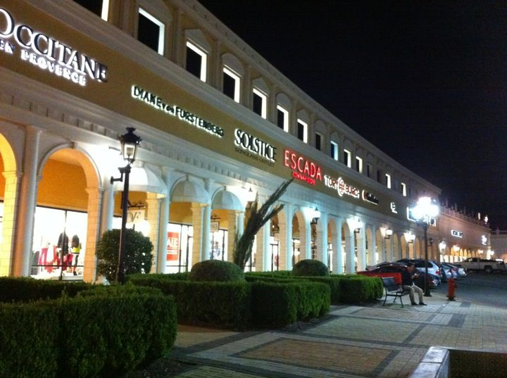The largest outdoor outlet shopping center ever!
