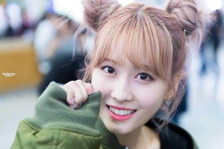 Momo @ Gimpo Airport Love this hairstyle!