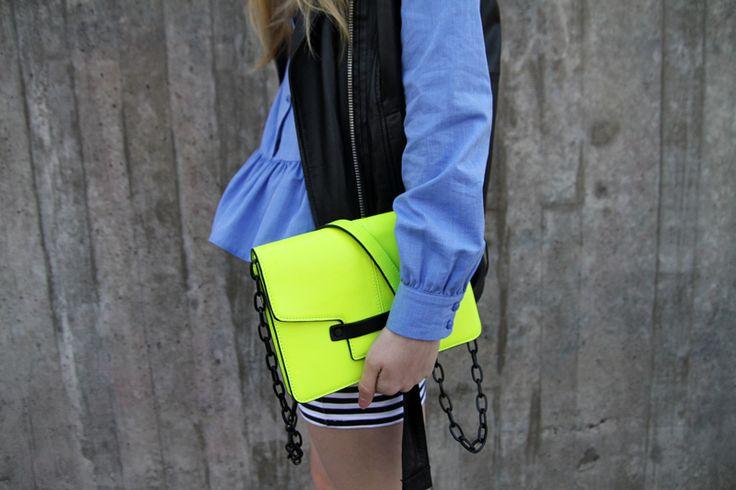 WERELSE x MANGO neon bag
