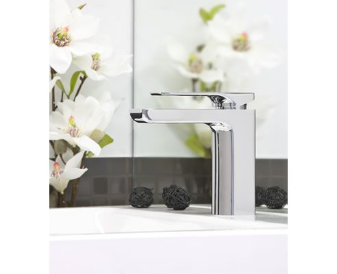 We love this glossy basin mixer from Phonenix - a big favourite here in the Spec-Net office!: http://www.spec-net.com.au/press/0212/pho_150212.htm #tapware #basin #mixer #bathroom #modern #sleek #specnetloves