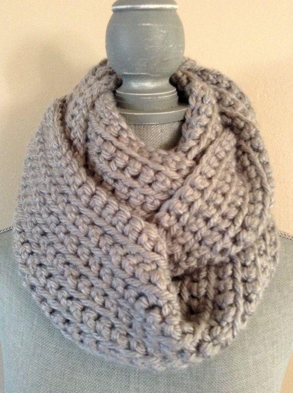 chunky crochet infinity scarf - GRAY