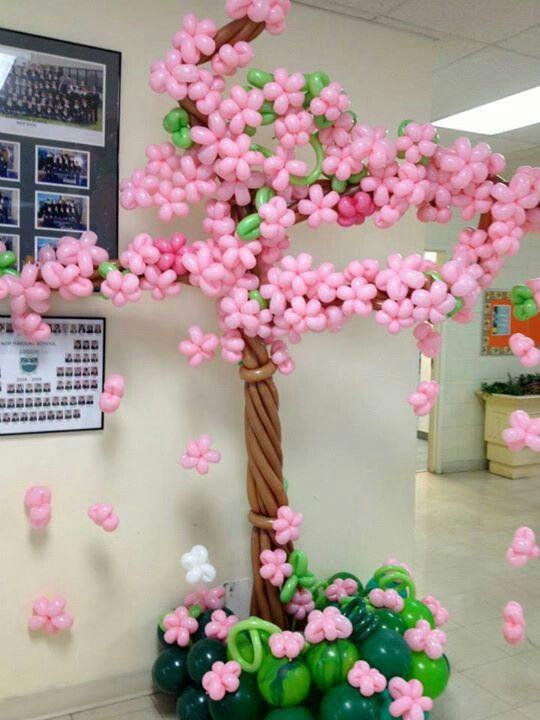 Flores de cerezo con globos ✿⊱╮                                                                                                                                                                                 Más