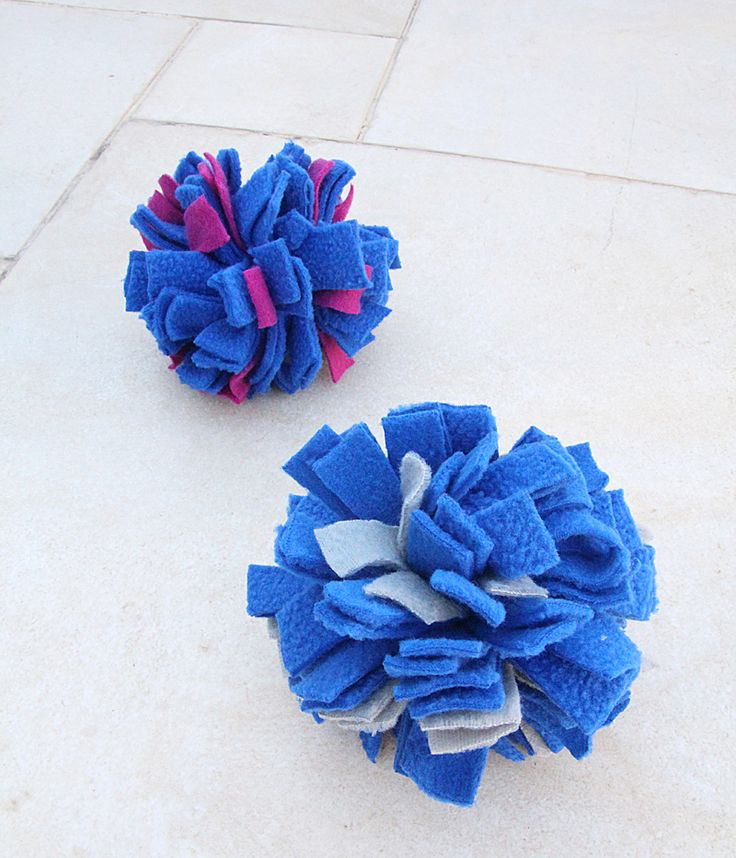 Pom Pom Fleece Balls For Juggling And Indoor Play, A Craft For Kids Too!