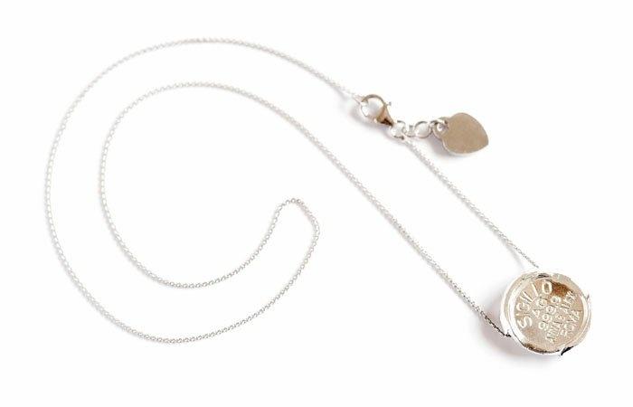 Sigillo necklace made with pure silver 999,9. www.annaealex.com