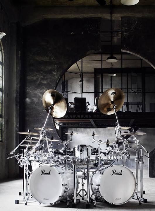 #MOST #POPULAR RE-PIN: Lovely white Pearl mirror drumkit photo, in dramatic photo setting. A great set of crashes!  #DdO:) - https://www.pinterest.com/DianaDeeOsborne/drums-drumming-joy/ - DRUMS & DRUMMING JOY. A music studio in an old downtown renovated building of high ceiling lofts must have WONDERFUL acoustics especially for drums & wind instruments like sax or flute... Photo pinned via Biggie DRUMS. #ARCHITECTURE #LOFT