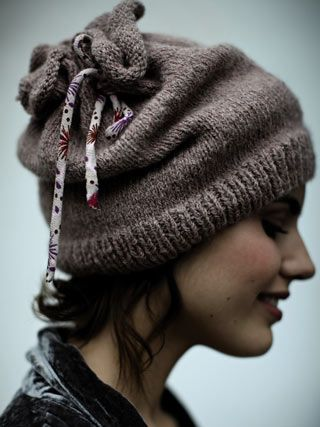 Snow Hat /  Would like to try and make this crocheted ?