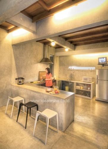 Industrial Kitchen Style. Photographer: iDEA/Dean Martin Saerang