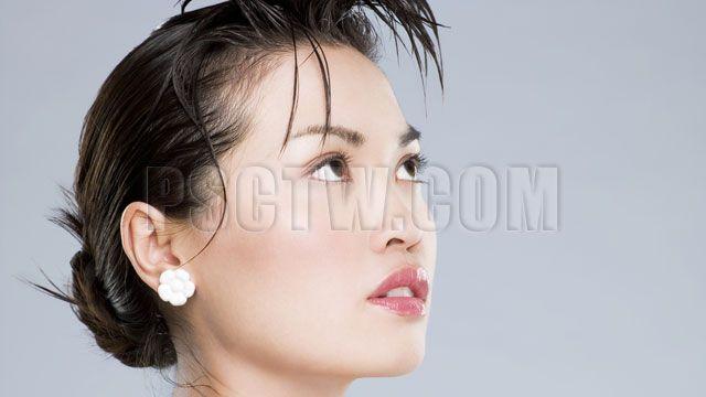 如何消除眼袋讓人看起來更年輕?去眼袋方法有很多,包括各式各樣的眼袋手術、眼袋整形、眼袋溶脂、眼袋按摩等,那一種消除眼袋的方法比較好,請看本文的深入分析 http://www.psctw.com/