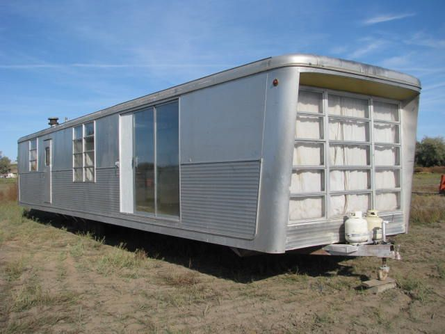 Spartan Carousel.1959 Spartan, Vintage Trailers, Mobiles Home, Travel Tips, Spartan Carousels, Travel Trailers, Glasses Doors, Sliding Doors, Vintage Campers