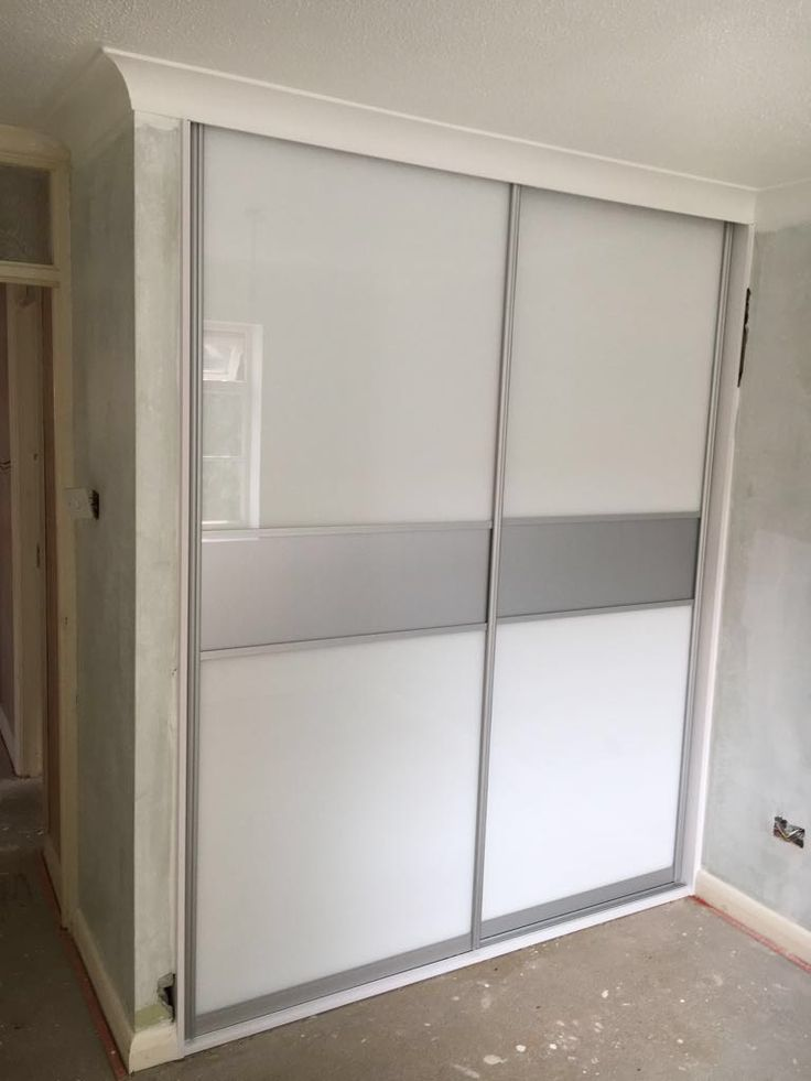 Bespoke finish wardrobe - with a sparkly band through the middle. Perfect for a little girl's room! All finishes on our website: http://www.foxwardrobes.co.uk/colors/