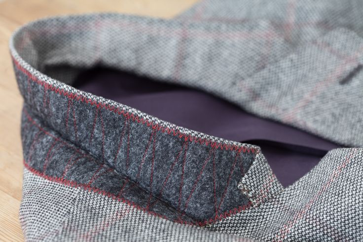 Egon Brandstetter Bespoke Tailor, Berlin |  Pad stitched undercollar of a cashmere jacket