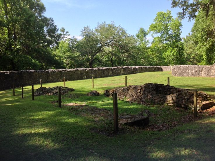 Constructed in 1757, Fort Dorchester was a brick magazine enclosed by tabby walls. (Photo by Bill Hill). It is now a state park in Summerville, SC (http://www.southcarolinaparks.com/colonialdorchester/introduction.aspx).