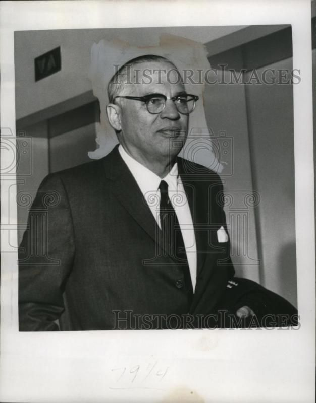 1967 Press Photo H. James Rand awaits court decision on Cancer Vaccine #ad