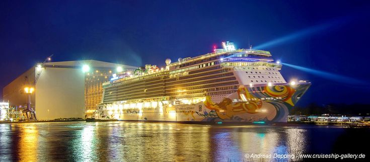 Norwegian Getaway - Floating out - November 2013 - ncl getaway0105c 1500 - Cruise Ships from Papenburg / Germany