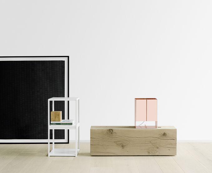 #e15 is een Duits #design label. e15 laat met zijn #meubelen het hart van menig #houtliefhebber sneller kloppen. Veel van de producten zijn gemaakt van prachtig Europees eiken afkomstig uit lokale bossen. #e15 Bigfoot #tafel is een van de meest bekende #ontwerpers van e15. Deze tafel is het perfecte voorbeeld van hoogwaardig vakmanschap en een perfectionistische benadering van design.