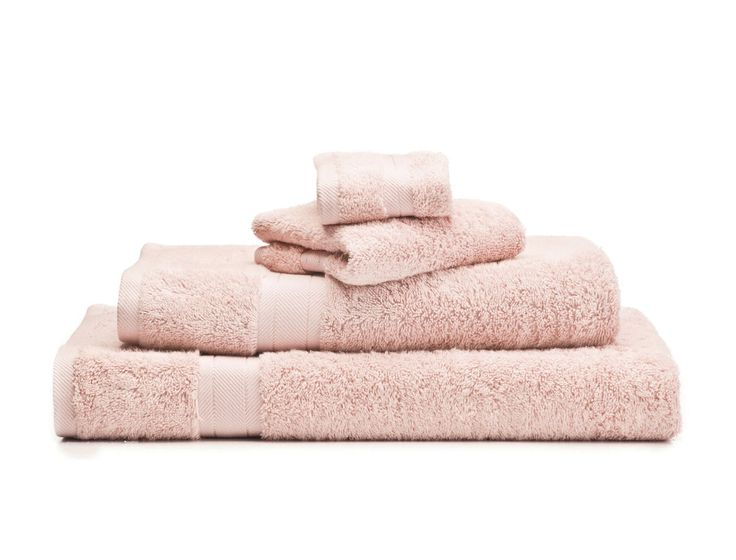 With a silk-like softness and beautiful lustre, Bamboo Blush towels will make a welcoming addition to any bathroom. Made in Turkey from a bamboo and combed cotton blend, these towels provide superior absorbency for a luxurious drying experience.