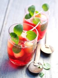 Punch froid au melon et à la menthe
