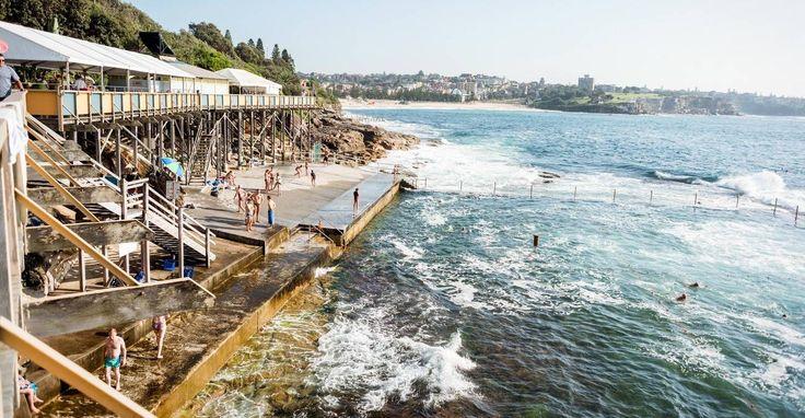Sydney Neighborhood Guide, Airbnb <br> Urbane Pracht und sandige Küsten prallen in Sydney, der Smaragdstadt Australiens, zusammen – der Hafen ist ihr größter Star.