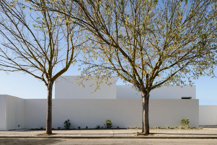 Casa em Oeiras / Pedro Domingos arquitectos