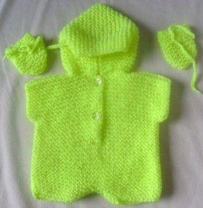 fıstık yeşili rengi kapşonlu örgü bebek tulumu