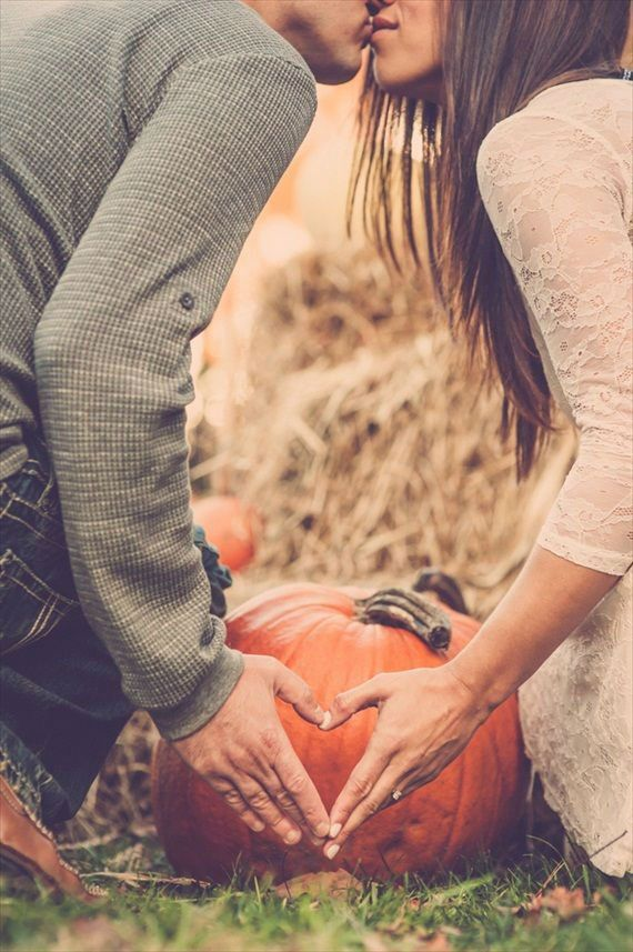 30 Fall Engagement Photo Session Ideas