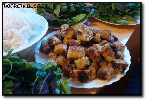 Recepty z Vietnamu, 2. díl: Nem rán (smažené jarní závitky) | Hogreta
