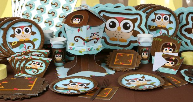 BigDotOfHappiness.com's Owl party theme is perfect to welcome a baby due in the fall or to commemorate an autumn birthday. Owl-themed parties are a sure to be a hoot so host one in true Hostess Hero fashion with tableware and personalized party supplies from Big Dot of Happiness. Owl – Look Whooo's Having a Baby and Owl – Look Whooo's Having a Birthday dinner plates are designed in a fun owl shape with the signature BigDotOfHappiness.com's Owl character front and center. Your tab