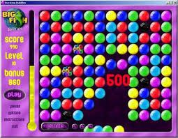 Kulbki buuble to według mnie jedne z lepszych gier jakie występują na świecie :)  http://grywkulki.com.pl/k/kulki-buble/