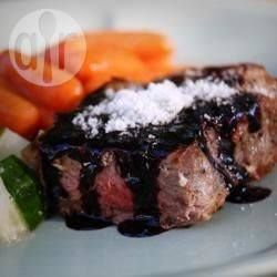 Recipe photo: Fillet steak with red wine balsamic reduction