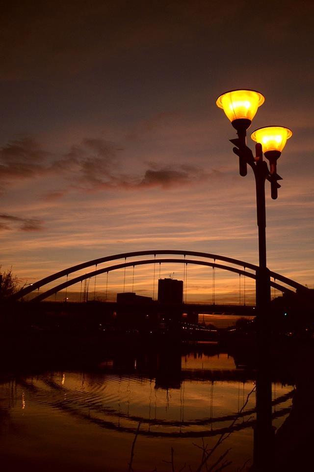 Bridge over Dâmbovița River - Bucharest. All credits to facebook.com/BucurestiOptimist.