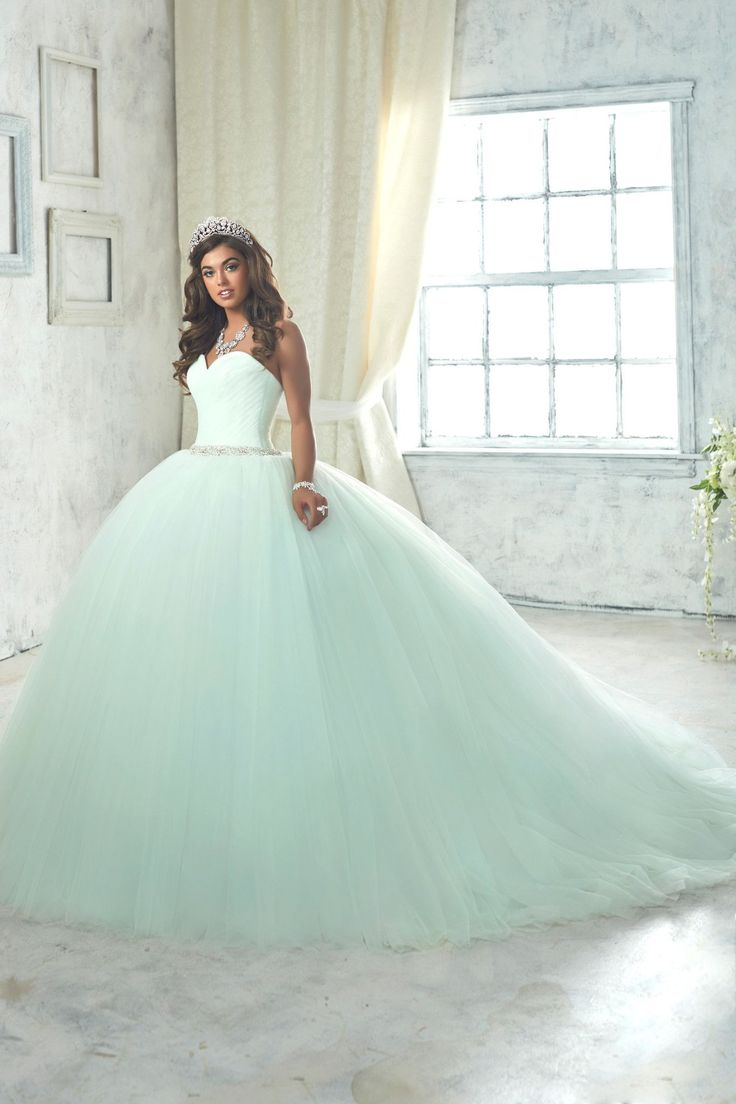 Make a grand entrance in a House of Wu Quinceanera Dress Style Number 26849 during your Sweet 15 party or any formal event. A beautiful strapless sweetheart ball gown has a gathered tulle bodice, drop http://spotpopfashion.com/j61v