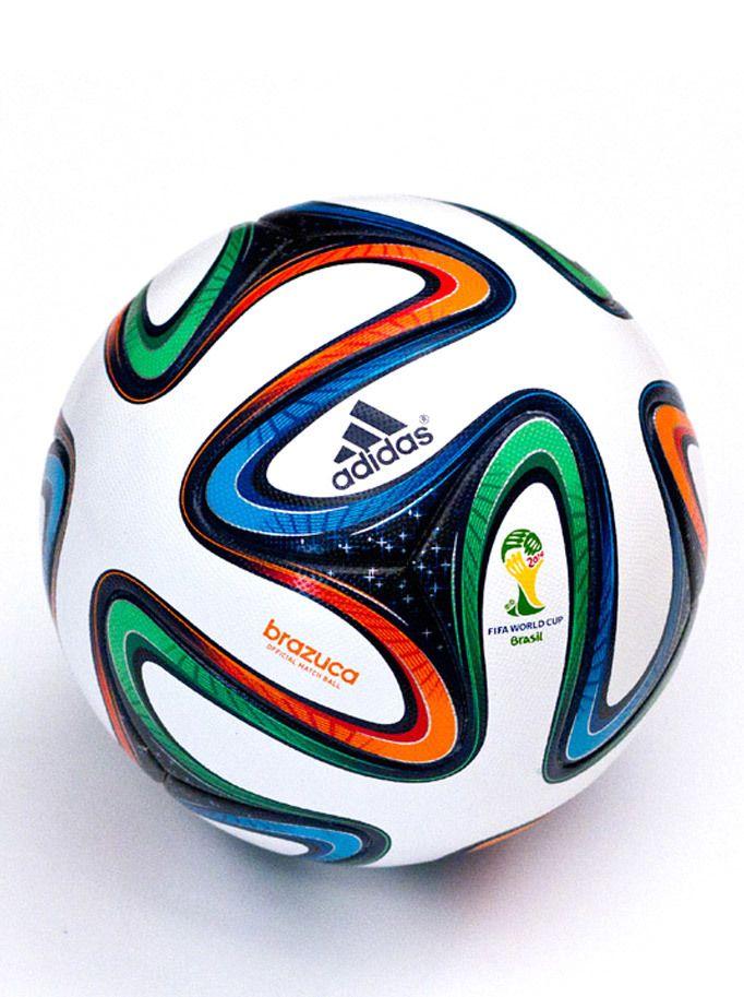 af51815a772 El Adidas Brazuca fue el balón oficial para la Copa Mundial de la FIFA  Brasil 2014. Cuenta con 6 paneles simétricos que ayudan a mejorar el  control y el ...