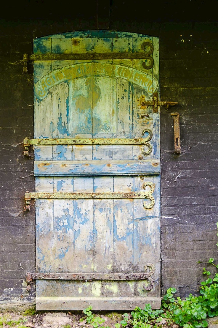 { door }