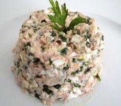 Salada de atum Dukan - atum, ovos, ricota, tempero verde