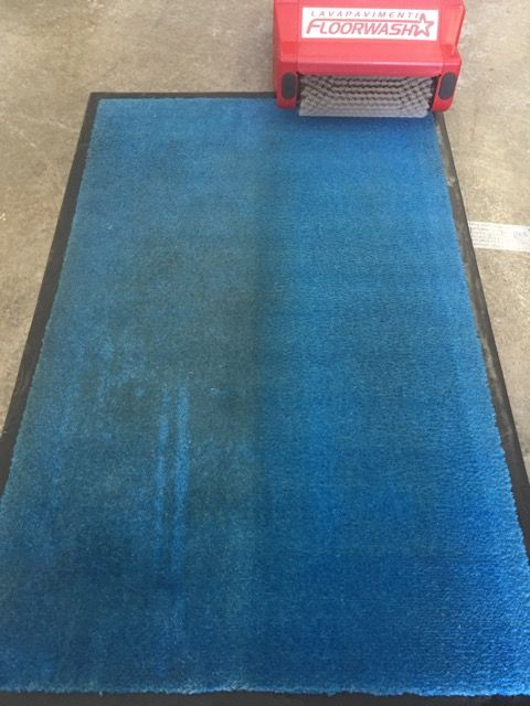 Another carpet deeply cleaned sanitized and renewed !