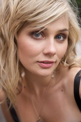 95 best clare bowen images on pinterest clare bowen nashville clare bowen as scarlett in nashville i love how her eyes look so big and her natural makeup and hair pmusecretfo Images