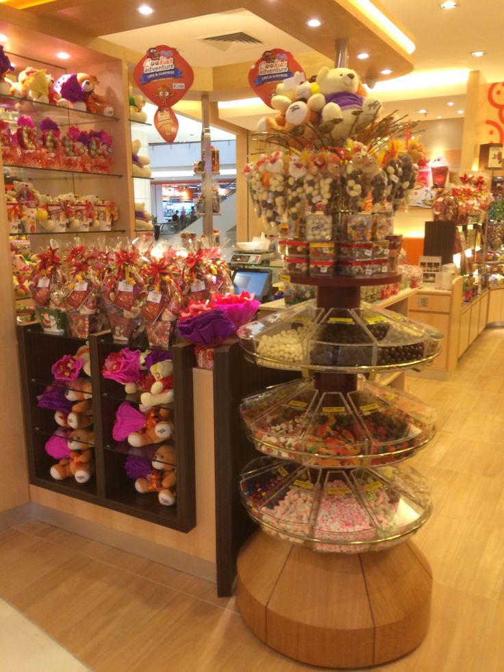 Famous Amos - IOI Mall - Putrajaya - Malaysia - Confectioners - Cafe - Lifestyle - Visual Merchandising - www.clearretailgroup.eu