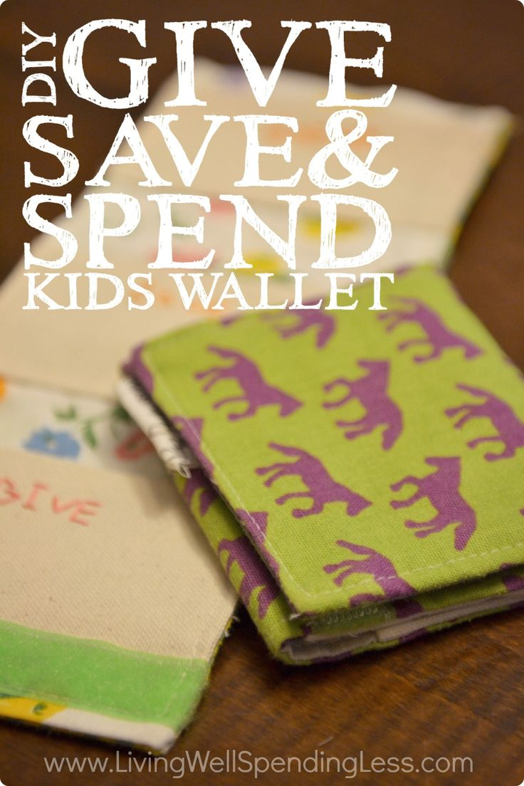 These adorable Give Save Spend wallets make the perfect stocking stuffer!  Easy to make, they are a great way to encourage your kids to manage their money the Dave Ramsey way!
