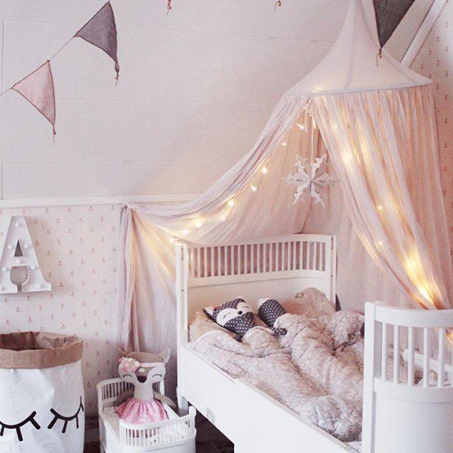 Stile da camera da letto per adolescenti alla moda vintage