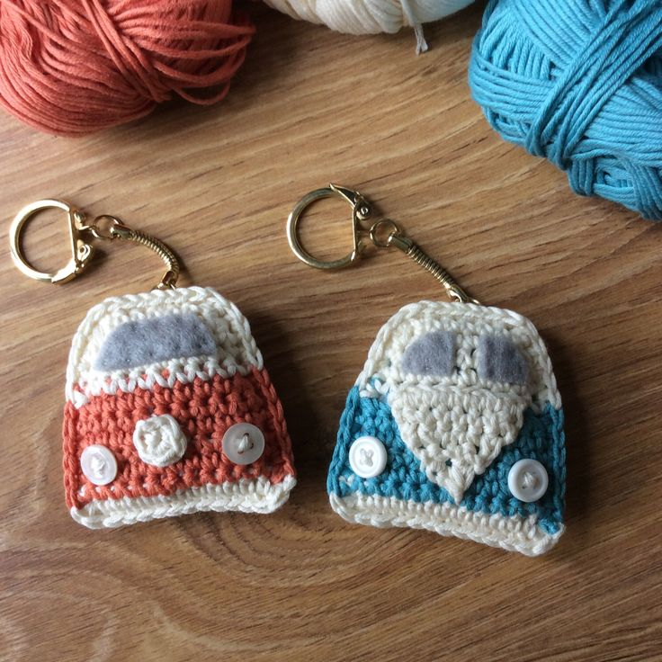 Crochet Campervan Keyring - VW Campervan