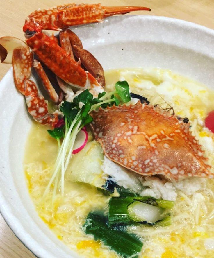 #shimokitazawa #下北沢 #ramen #noodles #noodle #蟹 #卵 #egg #crab #foodporn #foodstagram  限定60食 締めの飯で雑炊にしてスープの最後の一滴まで召しあがれる一品 そもそもこの味を無化調で仕上げていることが素晴らしい二郎の化調で舌がおかしいはずなのに旨い